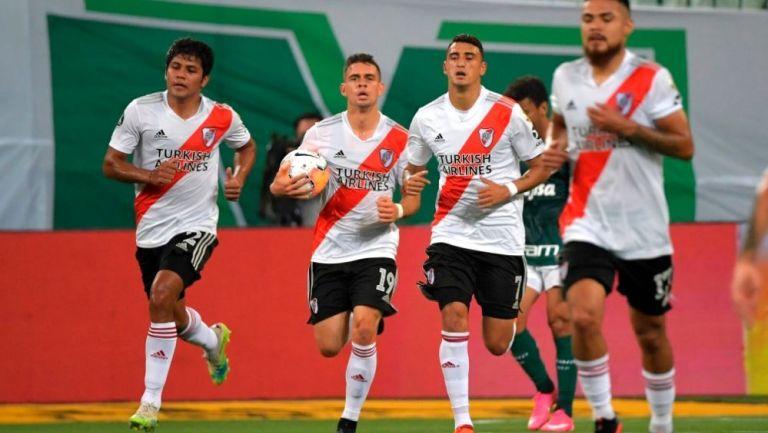 Jugadores de River Plate tras anotar a Palmeiras