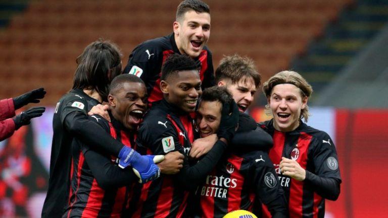 Jugadores del Milan en festejo