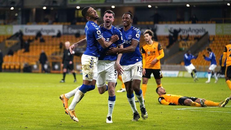 Raúl Jiménez: Wolverhampton hiló cinco juegos sin victoria al caer ante el Everton