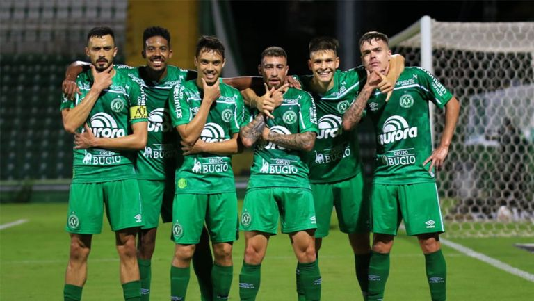 Jugadores de Chapecoense tras un gol