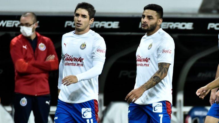 Chivas: Isaác Brizuela y Alexis Vega, listos para juego ante Toluca