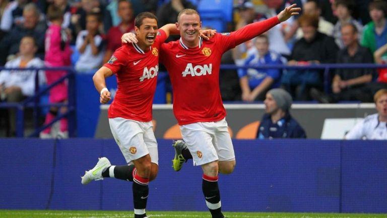 Chicharito y Rooney en un partido con el United