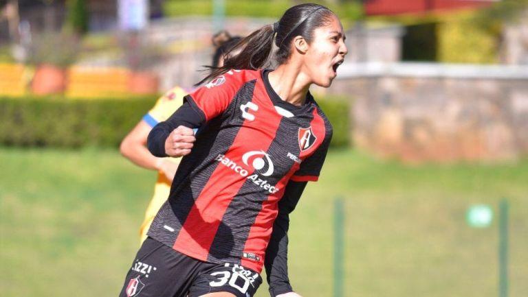 Alison González en festejo con Atlas ante Tigres