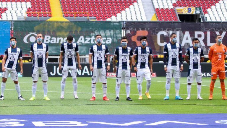 Jugadores de Rayados previo al partido contra Atlas