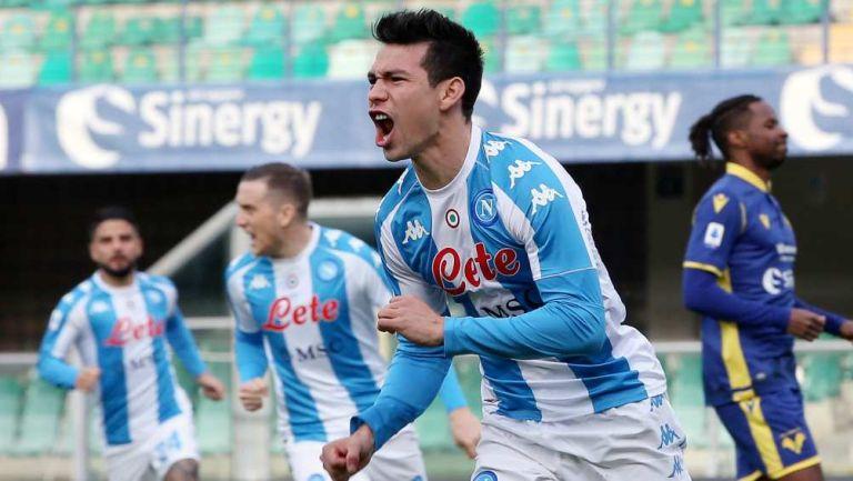 Chucky Lozano jugando con Napoli