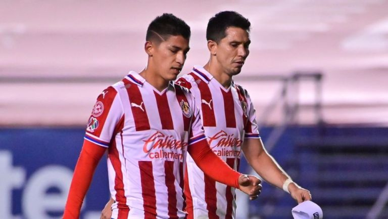 Ángel Zaldívar y Jesús Molina tras un partido con Chivas