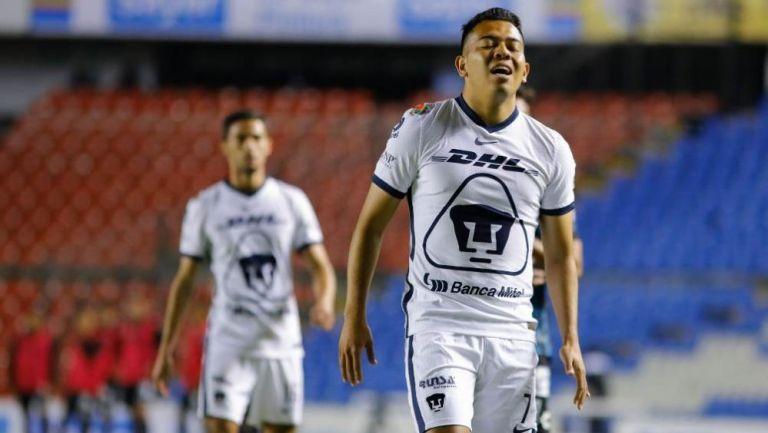 Sebastián Saucedo en lamento con Pumas