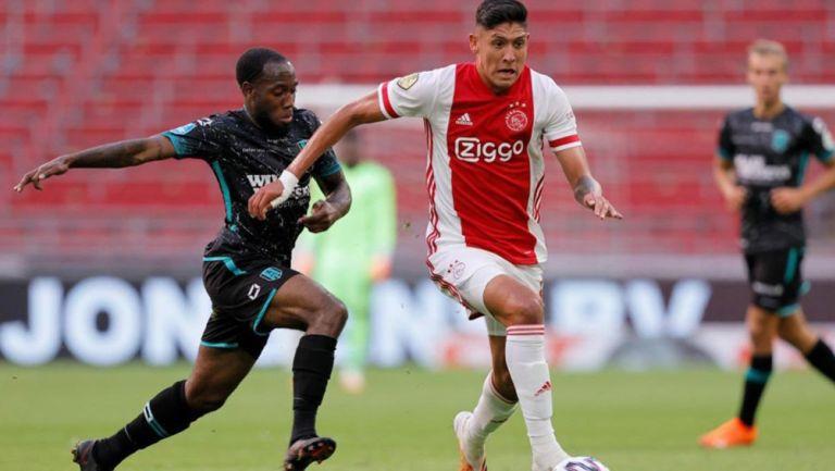 Edson Álvarez en un partido del Ajax