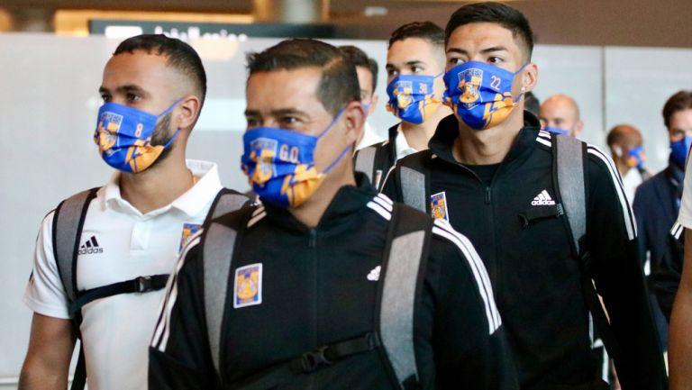 Jugadores de Tigres en el aeropuerto de Doha