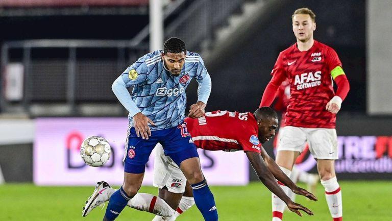 Sébastien Haller durante un partido con el Ajax