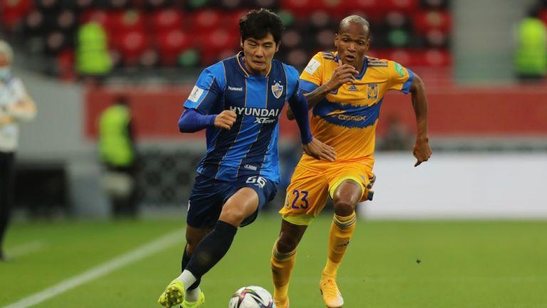 Luis Quiñones en partido vs Ulsan Hyundai