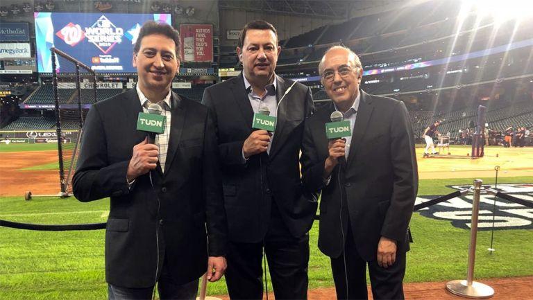 Burak, De Valdés y Segarra previo a una transmisión