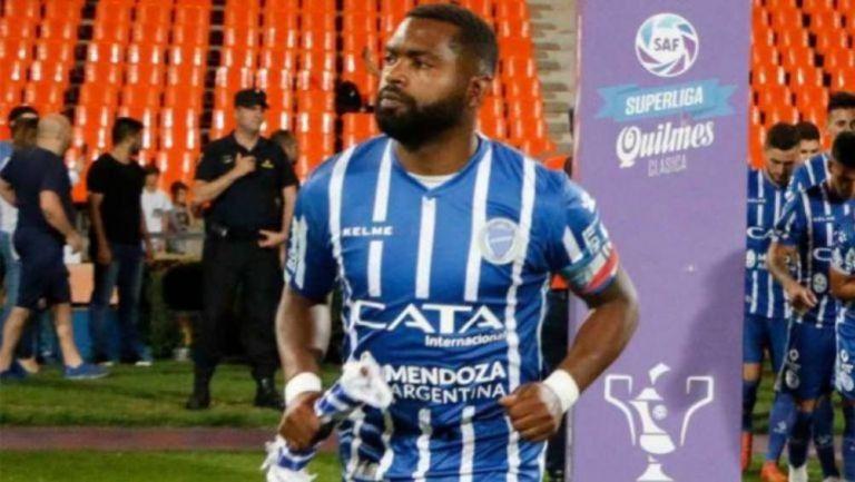 Morro García en celebración de gol