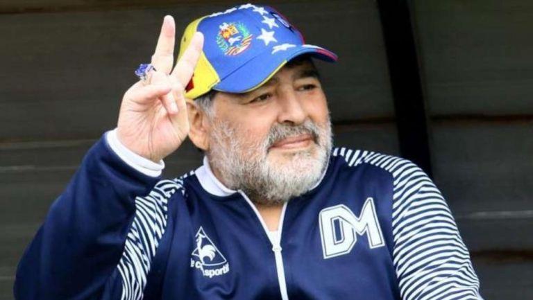 Diego Armando Maradona como técnico del Gimnasia y Esgrima