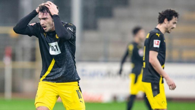 Thomas Delaney y Mats Hummels tras la derrota del Borussia