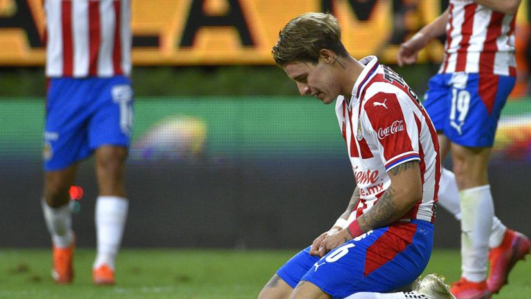 Chicote Calderón se lamenta en partido con Chivas