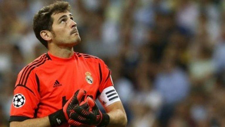 Casillas en un partido con el Madrid