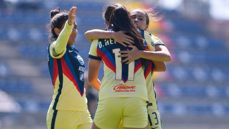 América Femenil festeja el gol del empate ante León