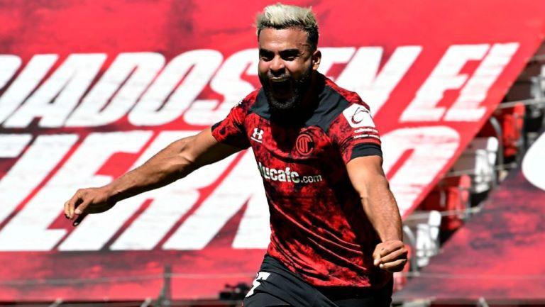 Alexis Canelo tras anotar gol ante Mazatlán