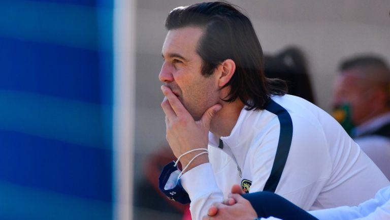 Solari observa un partido de América Sub 20