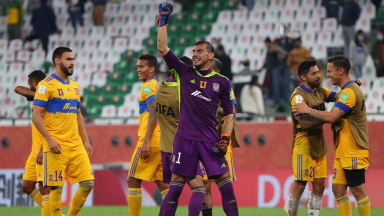 Jugadores de Tigres festejan victoria ante Palmeiras