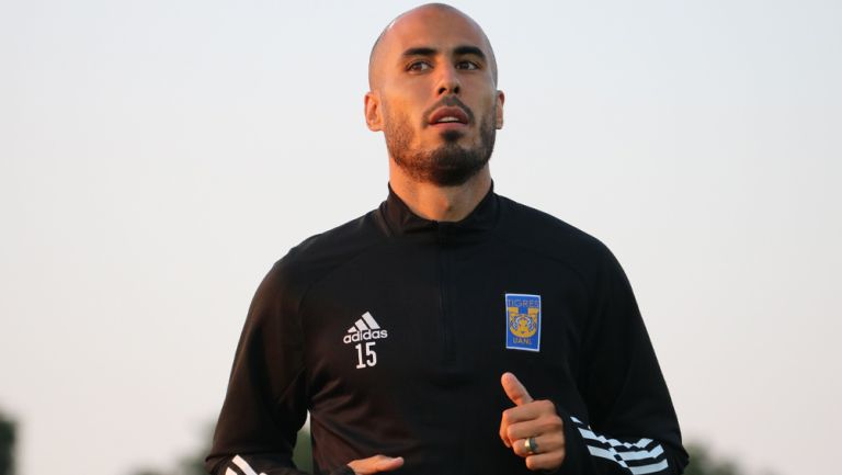 Guido Pizarro durante una sesión con los Tigres en Qatar