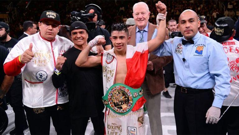 Rey Martínez tras lograr su título mundial