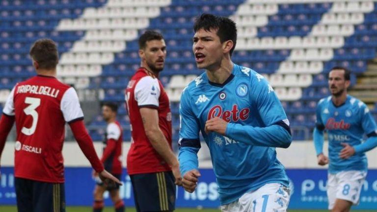 Chucky Lozano en un partido con el Napoli