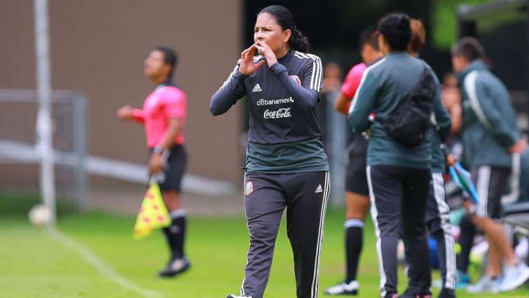 Monica Vergara en entrenamiento