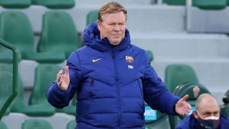 Ronald Koeman jugando con Barcelona