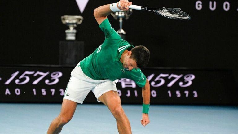 Novak Djokovic rompió su raqueta