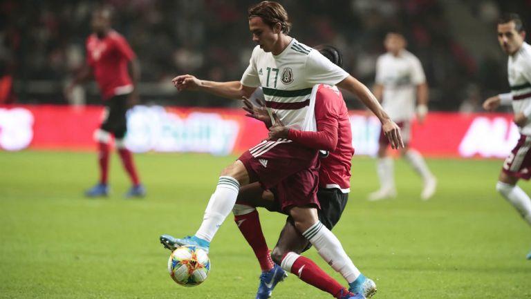 Sebastián Córdova durante el partido de México contra Trinidad y Tobago