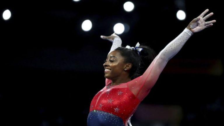 Simone Biles con la Selección de Gimnasia de Estados Unidos