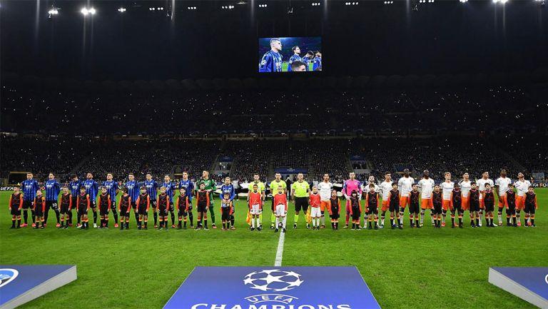 La ceremonia previa al Atalanta vs Valencia