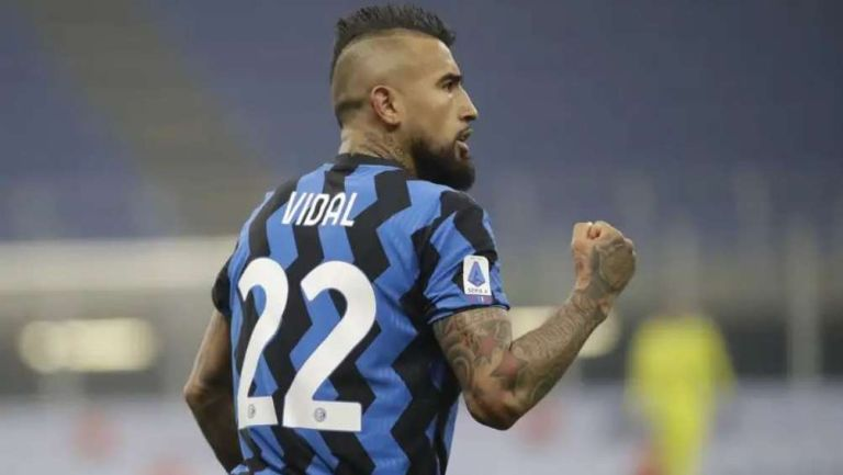 Arturo Vidal en festejo con Inter de Milan