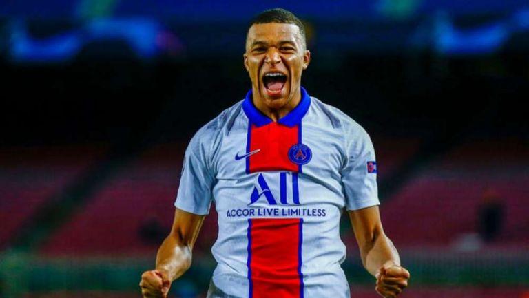 El francés celebra uno de sus goles en el Camp Nou