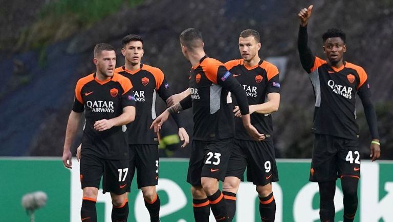 Jugadores de la Roma celebrando un gol vs el Braga