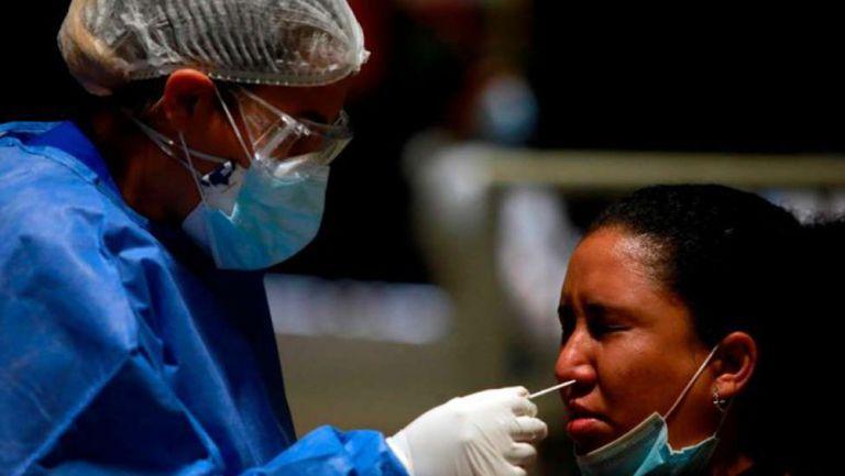 Prueba de hisopado nasal