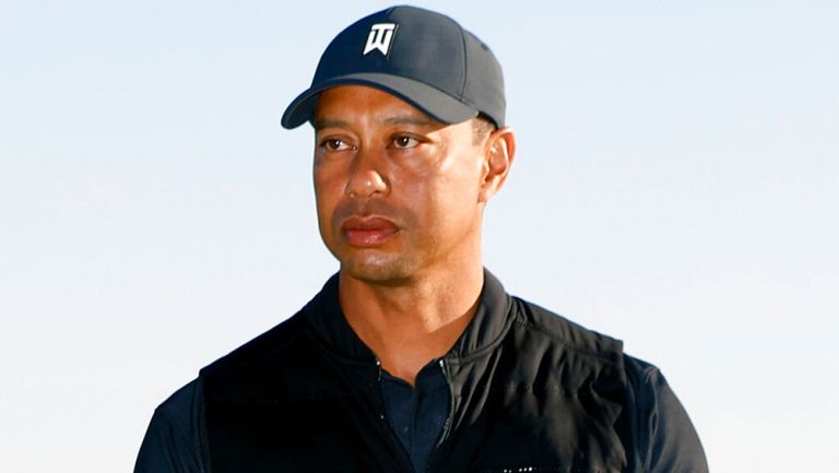 Tiger Woods, hospitalizado tras sufrir aparatoso accidente de carro