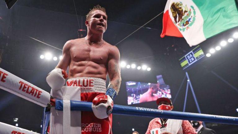 Canelo Álvarez tras la pelea con Smith