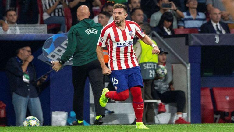 Héctor Herrera festeja un gol con el Atlético de Madrid