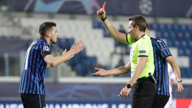 Remo Freuler recibió la tarjeta roja vs Real Madrid