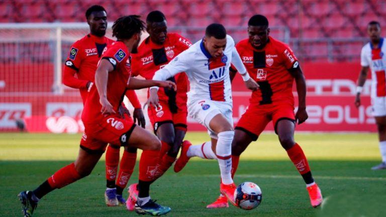 Mbappé en juego en el PSG vs. Dijon