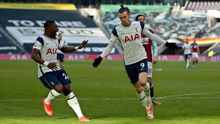 Gareth Bale festeja un tanto con el Tottenham