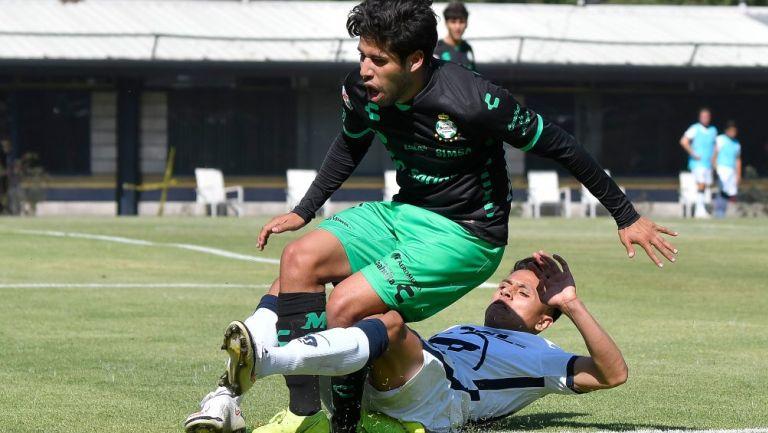 Osmar Ruiz ante la barrida de Oliver Pérez