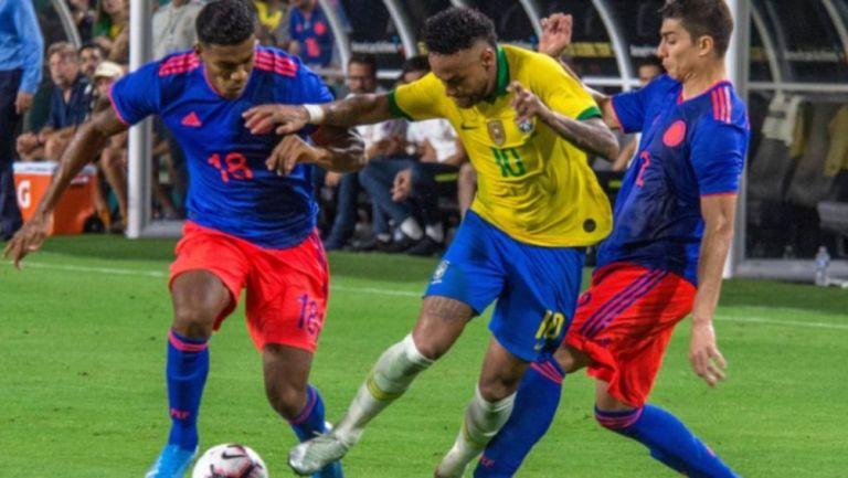 Neymar Jr en juego con la Selección de Brasil frente a la Selección de Colombia