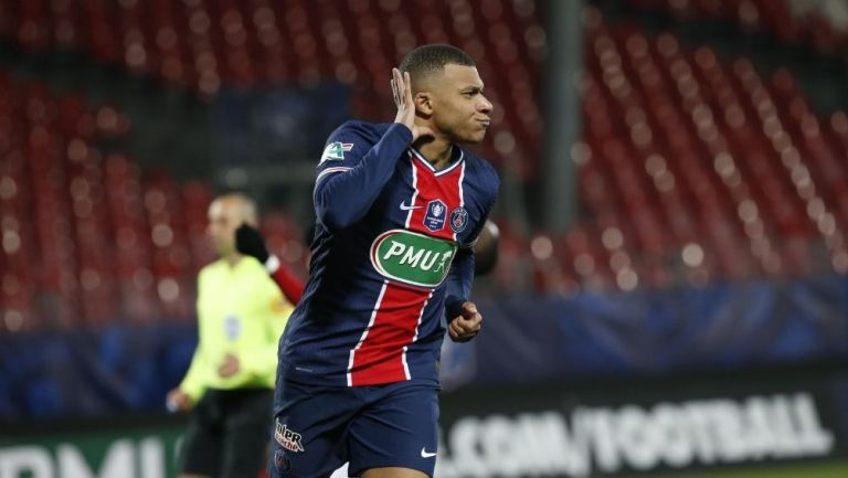 Mbappé marcó dos goles para el triunfo parisino