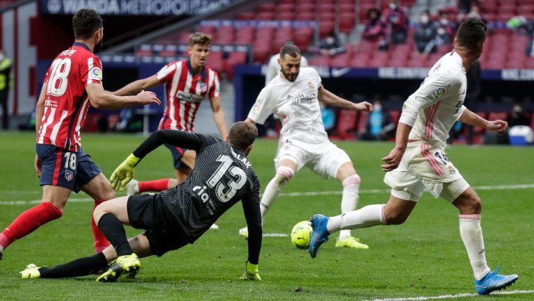Karim Benzema anotó el gol que le dio al Real Madrid el empate 1-1 contra el Atlético de Madrid