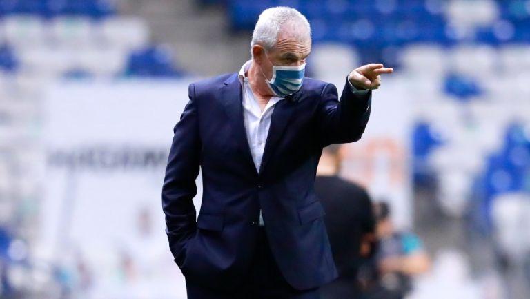 Javier Aguirre en victoria frente a Querétaro