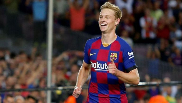 De Jong en un partido con el Barcelona